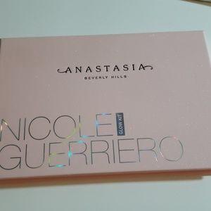 Anastasia x Nicole Guerreiro Glow Kit